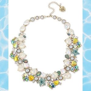 NWT Crabby Couture Collar Necklace